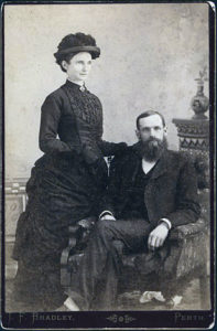 perth-rev-ag-robertson-and-sister-aggie